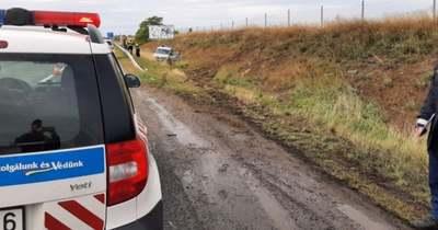 Szándékosan ütközött rendőrautónak, majd továbbhajtott az M1-esen az embercsempész
