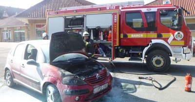 Kigyulladt autó és lakástüzek adtak munkát hétvégén a somogyi tűzoltóknak
