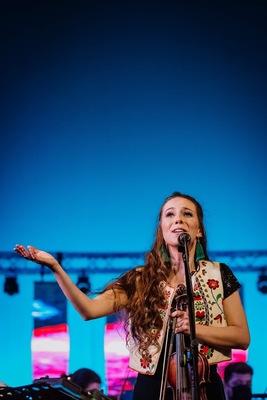 KultúrUnalom: Koszorus Krisztina Koszika, a sokszínű zenész