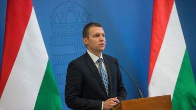 Menczer Tamás: Ha a kormány nem áll ki a külhoni magyarokért, senki nem fog