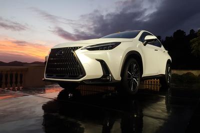 Ilyen autót még sosem gyártott japán prémiummárka - Lexus NX menetpróba