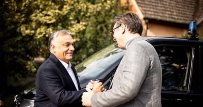 Híres borászatot és pékséget látogatott meg a szomszédban Orbán Viktor