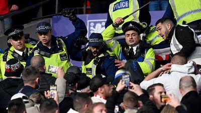 Érdekes fordulat, az angolok nem kértek a magyar rendőrökből a Wembley-ben
