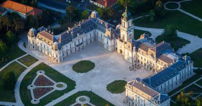 Keszthely a Festetics családnak köszönheti, hogy a Balaton fővárosa lett