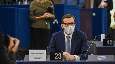 Nagy árat fizethet Lengyelország, ha szembe megy az unióval