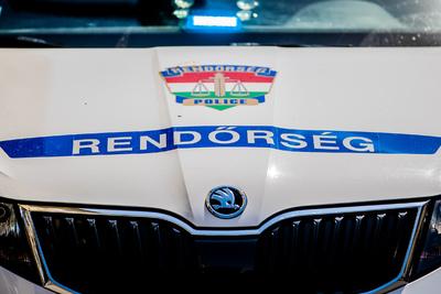 Négy autó ütközött össze az M1-esen Bábolnánál