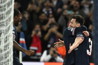 Messi két gólt lőtt, Mbappé nem lőtte be Gulácsi kapujába a tizenegyest