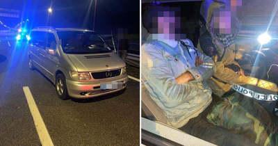 FRISS: Dunaújváros közelében fogták el a sofőrt, aki 11 illegális migránst szállított