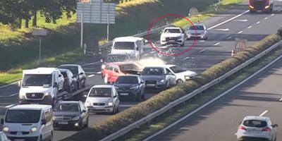 Fékezés nélkül rohant az álló kocsisorba az M1-esen, az audis menekülését tanítani kellene - videó