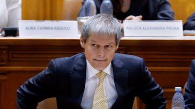 Dacian Cioloș is bukott, gyűrűzik a román válság