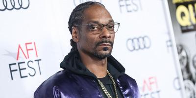 24 éve házas, mégis szerepelt pornófilmekben - 10 érdekesség az 50 éves Snoop Doggról
