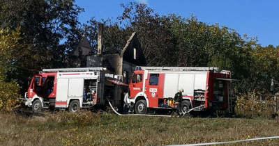 Holttestet találtak a meztelenül halálos balesetet okozó férfi leégett házában