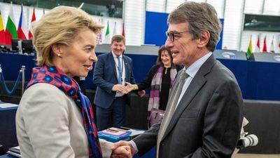 Az EP megkezdte az Európai Bizottság elleni per előkészítését