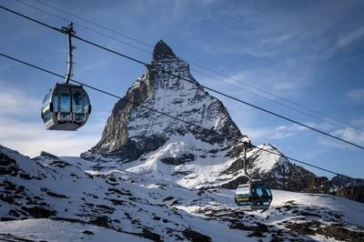 Meghalt két fiatal hegymászó a svájci Alpokban