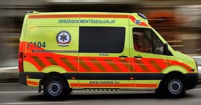 Brutális baleset a fővárosban, három autó ütközött