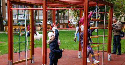 Megszépülve várja a gyerekeket a Moha úti játszótér Szolnokon