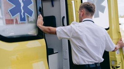 Autóbalesetet szenvedett, mentő rohant kórházbaa tévésztárral