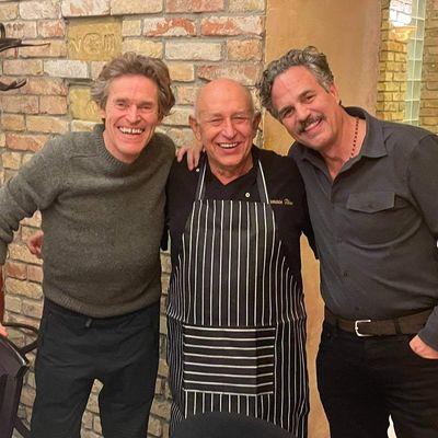 Willem Dafoe és Mark Ruffalo magyar étteremben fotózkodtak