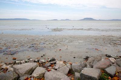 Kibillent a Balaton vize - fotók