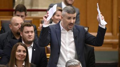 Trombitás Kristóf (Facebook): A csicskaság szó illusztrációja a Jobbik