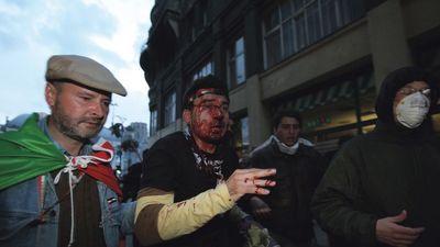 Meggyalázták a demokráciát 2006. október 23-án