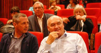 Már vetítik a vasi mozik az Elkxrtuk című filmet – Hende Csaba is jegyet váltott a premierre