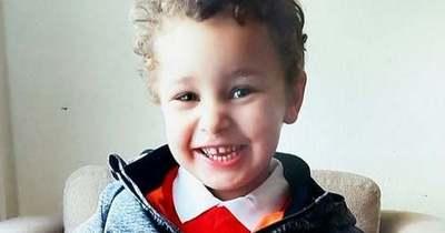 """""""Szállj magasra, gyönyörű kis angyal!"""" – Rokonai gyilkolhatták meg az 5 éves kisfiút"""