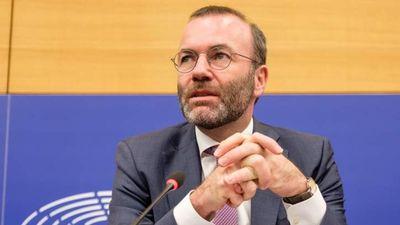 Webert úgy választották újra, hogy nem lehetett ellene szavazni