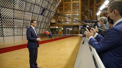 Lengyel külügy: Az Európai Parlament túllépett saját hatáskörén