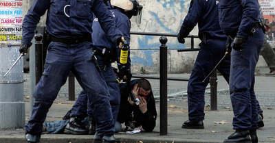 Soha nem látott felvételek a 2006. október 23-i rendőrterrorról