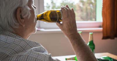 Megfenyegette szüleit a részeg férfi, hogy rájuk gyújtja a házat