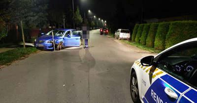 Olyan részegen karambolozott Szombathelyen egy autós, hogy nem tudta minek ment neki – fotók
