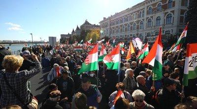 Hamarosan indul a Békemenet: Így gyülekezik a tömeg – fotók