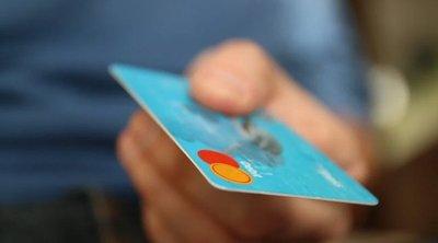 Nem kapott bankkártyát, élve akarta elégetni az ügyintézőt a szegedi férfi