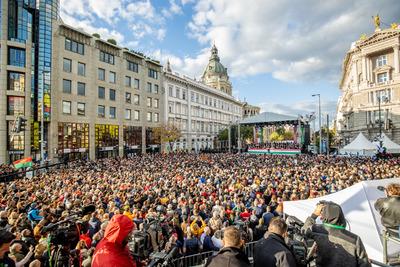 Sok százezer ember, felemelő ünnep - ez volt az idei Békemenet - videó
