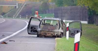 Kigyulladt egy autó az M5-ösön – Fotók