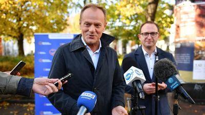 Megválasztották Donald Tuskot a fő lengyel ellenzéki párt elnökének