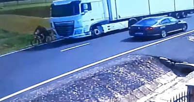 Vádemelés: elsodort kamionjával egy biciklist Pogányszentpéternél