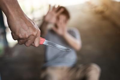 """""""Többször kellett volna megszúrnom"""" - meggyilkolta férjét a nyugdíjas nő, és nem is bánta meg"""