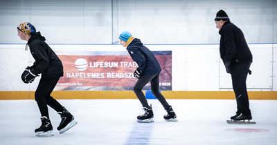 A lakosság számára is biztosítják a korcsolyázási lehetőséget az ajkai jégcsarnokban