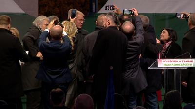Politikai hergelésbe torkollt az ellenzéki ünnepi megemlékezés