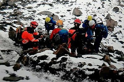Lavina sodort el tizenkét embert egy ecuadori vulkánon