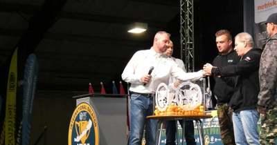 Megnyitották a világ legnagyobb horgászversenyét Tihanyban