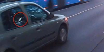 Fékezés nélkül ment az álló kocsisornak a Pesti úton, felháborító, mire figyelt az út helyett - videó