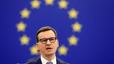 Visszakozik Varsó a jogállamisági vitában