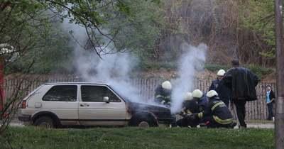 Kigyulladt egy gépkocsi Székesfehérváron