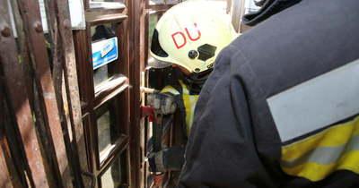 Tűzoltók feszítették fel az ajtót Mezőfalván