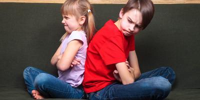 A testvéri zaklatás felnőttként is hat ránk