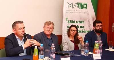 MATE-fórum: nem szűnnek meg az ösztöndíjak, emelkednek a pontszámok