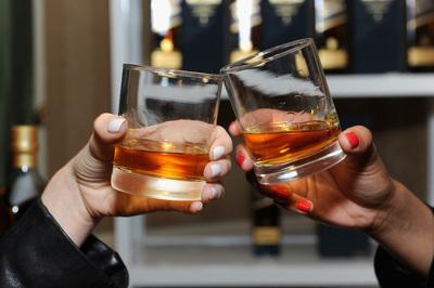 Váratlan bejelentést tett a világ egyik legismertebb whiskymárkája